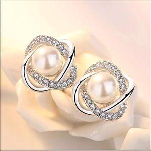 New 925 silver pearl earrings